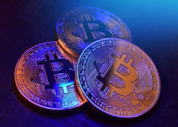 Bitcoin price ready to shoot out of compressed range to touch $11,000