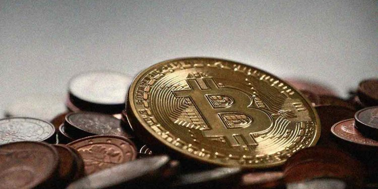 Bitcoin price sees another fall to $10200