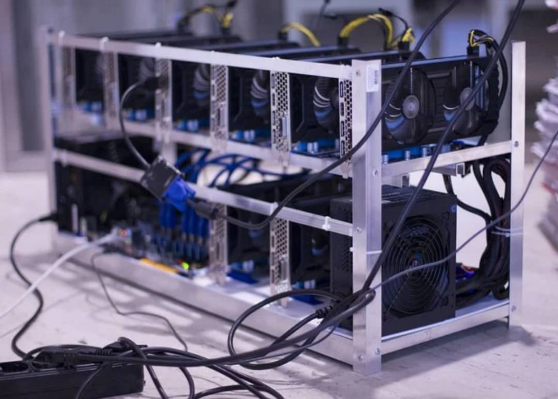 Bitcoin Miners deploy holding crypto assets  and fiat reserves as strategies to hedge risks