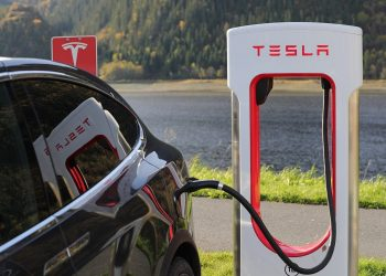 JUST IN: Tesla now accepts Bitcoin