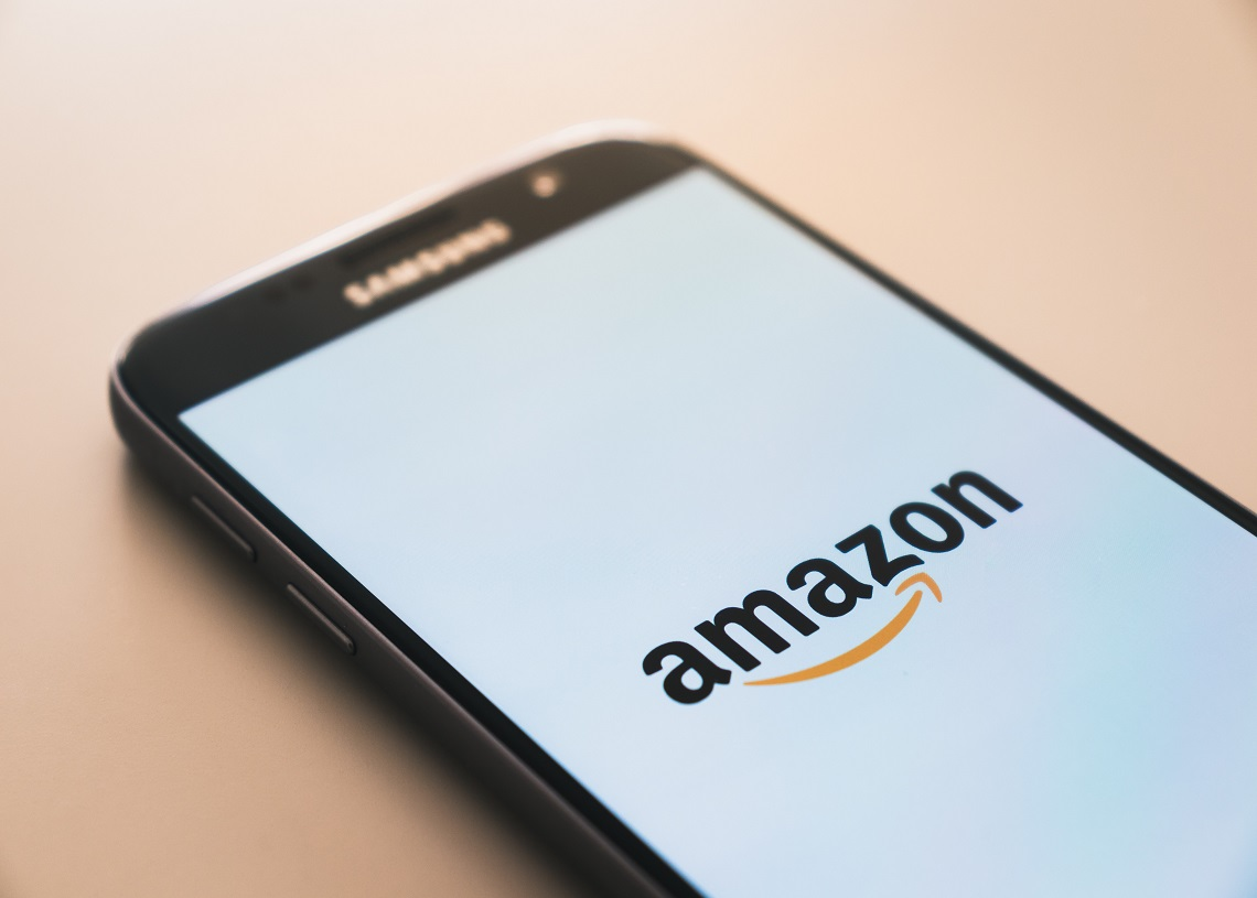 Amazon and Apple to employ workers with experience in crypto and Blockchain | Cryptopolitan