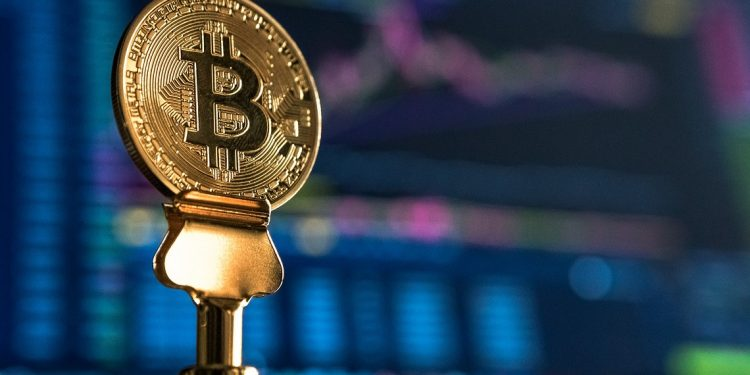 Bitcoin balance on exchanges drop to 2018 level amid massive BTC outflows