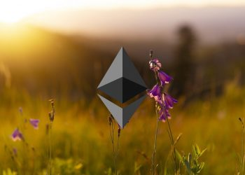 Ethereum price analysis: ETH drops to $3,201 after head and shoulder