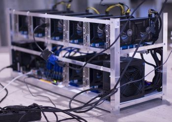 Malaysian police confiscated 1,290 illegal mining rigs in one week